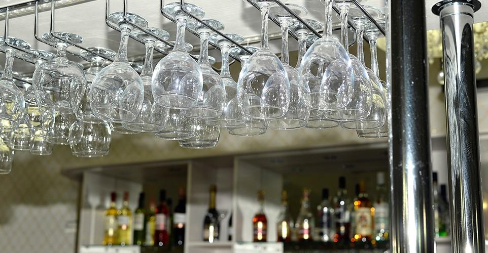 hanging-glasses